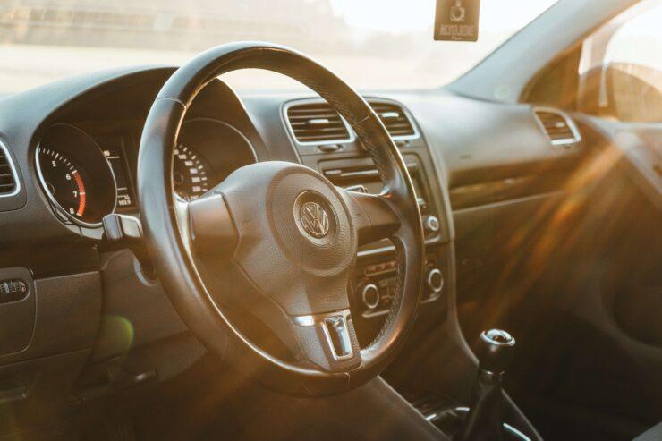 Radia samochodowe- co warto wiedzieć przed zakupem